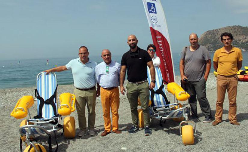 Almuñécar y La Herradura cuentan con 2 nuevas sillas anfibio para personas con movilidad reducida