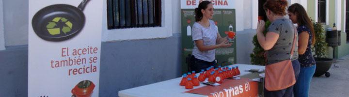Aigües de Paterna y Aigües de L'Horta recogen 20 toneladas de aceite doméstico entre 2013-2014