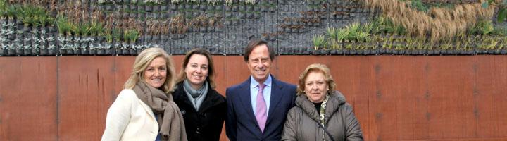 Un nuevo jardín vertical luce ya en el bulevar Salvador Allende de Alcobendas