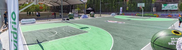 Madrid estrena la primera pista de baloncesto reformada con vidrio reciclado