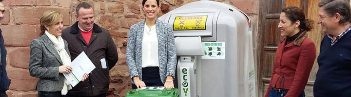 Epremasa impulsa entre hosteleros y comerciantes de Montoro el reciclaje de vidrio y la recogida de cartonaje