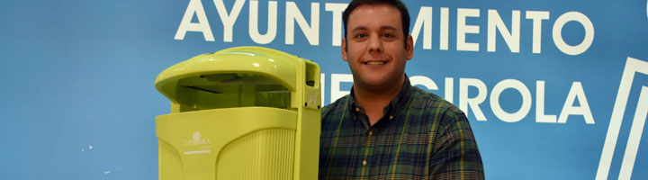 Fuengirola incorpora un modelo nuevo e innovador de papeleras urbanas en diferentes puntos de la ciudad