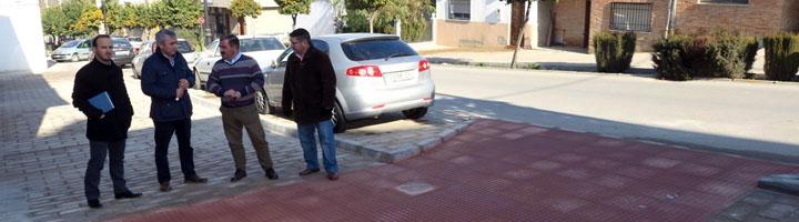 Diputación de Jaén invierte más de 211.000 euros en la mejora de instalaciones deportivas y de calles de Mengíbar
