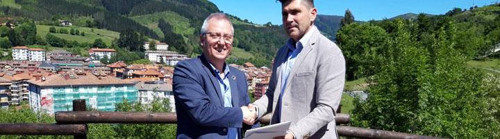 La Diputación de Gipuzkoa y el Ayuntamiento de Zumarraga instalan un sistema de alumbrado solar en el parque de Urtubi