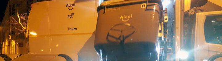 Un camión lavacontenedores se une al dispositivo de limpieza de Alcoy