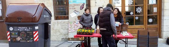 Castelló d'Empúries cuenta ya con los nuevos contenedores de orgánica con carga lateral de CONTENUR