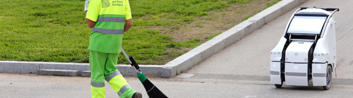 Ferrovial presenta en Smart City Expo el robot de limpieza viaria que ayudará a los trabajadores