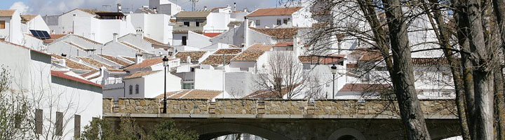 La Diputación de Málaga redacta proyectos para renovar el alumbrado de 52 municipios con luminarias LED