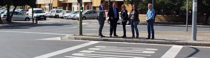 Sevilla culmina la primera fase de renovación integral de la señalización horizontal en el Distrito Cerro-Amate