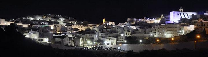 La Junta de Andalucía presta apoyo técnico a casi 400 ayuntamientos para mejorar la iluminación de sus localidades