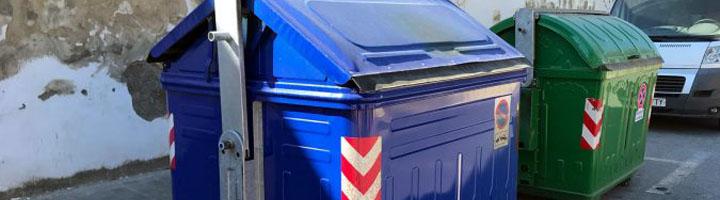 Dos Hermanas pionera en la implantación del sistema antihurto de Sanimobel en los contenedores de papel/cartón