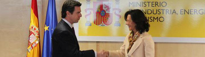 El ministro de Industria, Energía y Turismo y la presidenta del Banco Santander apuestan por la transformación digital de España