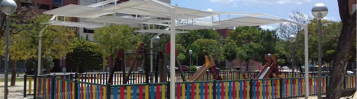 Murcia instala pérgolas de sombraje en cuatro zonas de juegos infantiles