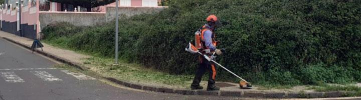 La Laguna se convierte en un municipio pionero en Tenerife al utilizar nueva maquinaria 100% eléctrica para la limpieza viaria