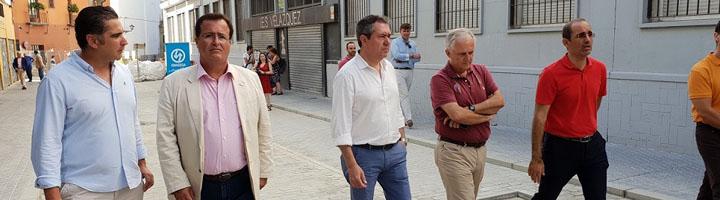 El Ayuntamiento de Sevilla ejecuta más de 40 proyectos de obras de mejora en calles y plazas