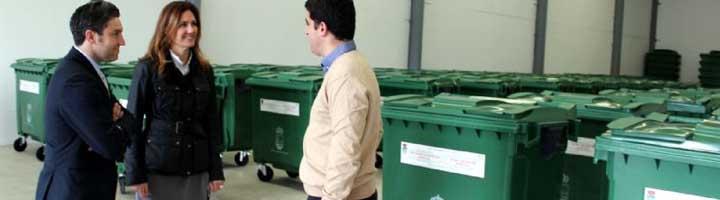 Estepona refuerza el servicio de recogida de residuos con más de 100 contenedores