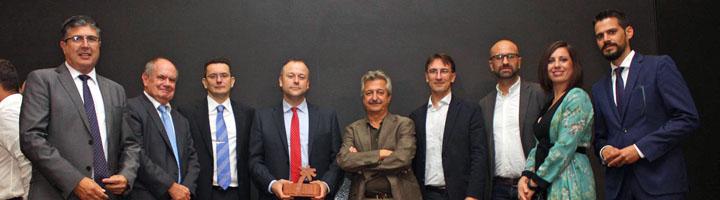 AIDIMME e ITC reciben el Premio de innovación turística de manos del president de la Generalitat, Ximo Puig