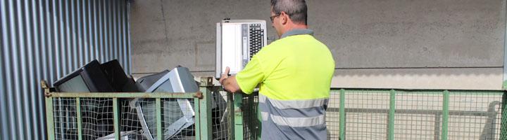 Implantado el nuevo servicio de recogida de residuos de aparatos eléctricos y electrónicos en Almería