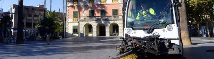 La limpieza viaria y recogida de residuos de Castelldefels empiezan a funcionar como servicio municipal