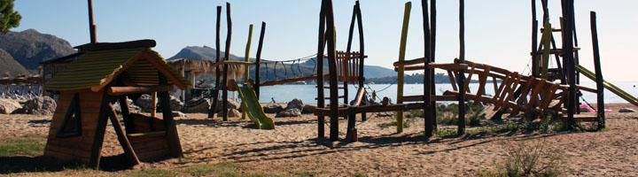 Nuevas zonas infantiles de la playa de Pollença, una oportunidad para el aprendizaje y el juego