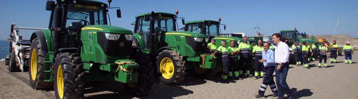 Marbella refuerza el servicio de limpieza de playas con la adquisición de cuatro nuevos vehículos