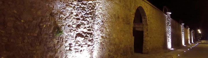 Nueva iluminación y mejores accesos a la muralla del antiguo jardín botánico de Puzol