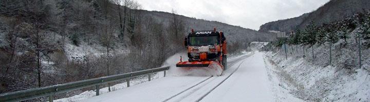 Maquiasfalt equipa 18 vehículos para el mantenimiento invernal de la autopista A1