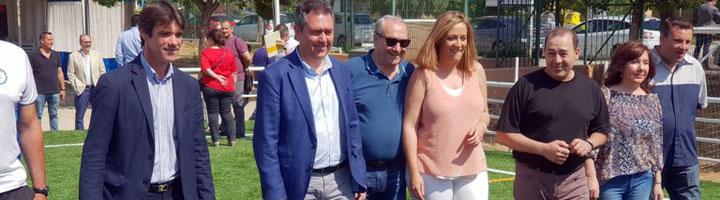 Sevilla inaugura el nuevo campo de césped artificial del CD Los Mares dentro de la inversión de casi 2,5 millones de euros para instalaciones deportivas