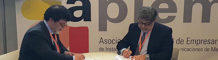 La Fundación ECOLUM firma un convenio con los instaladores de Madrid para mejorar la recogida de RAEEs