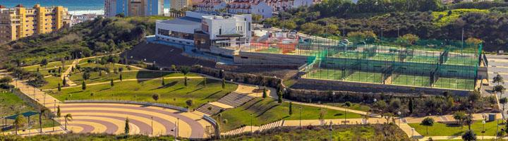 Estepona logra una zona verde de 38.000 m² ampliando el parque de Los Niños, que incorpora un tobogán de 30 metros de longitud