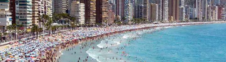 El nuevo contrato de las playas de Benidorm recoge la gestión integral y reduce el mobiliario sobre la arena