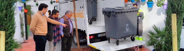 Estepona refuerza la limpieza en el casco antiguo con la implantación un nuevo sistema de recogida de residuos