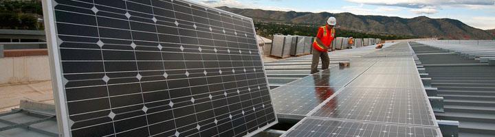 La energía solar agregó más capacidad de generación eléctrica que los combustibles fósiles en 2017
