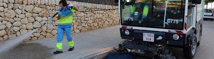 EMAYA refuerza para el verano los servicios de limpieza y recogida de residuos con nueva maquinaria