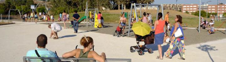 Málaga inaugura un parque de más de 17.300 m2 dotado con zonas verdes, juegos infantiles, y parque canino