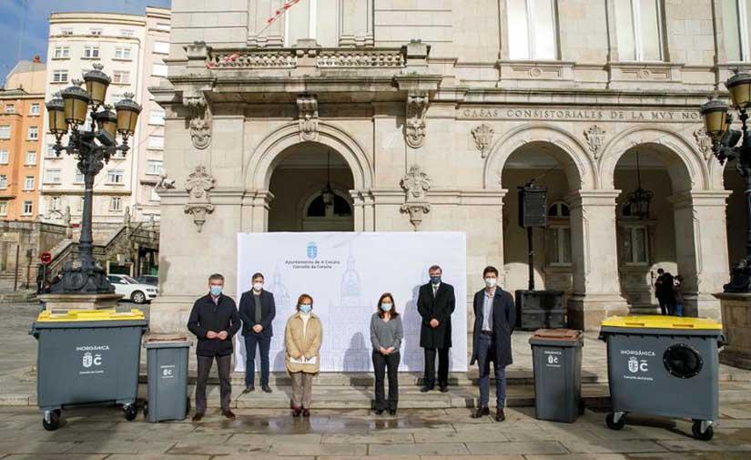 A Coruña inicia la renovación de 9.000 contenedores para residuos orgánicos e inorgánicos