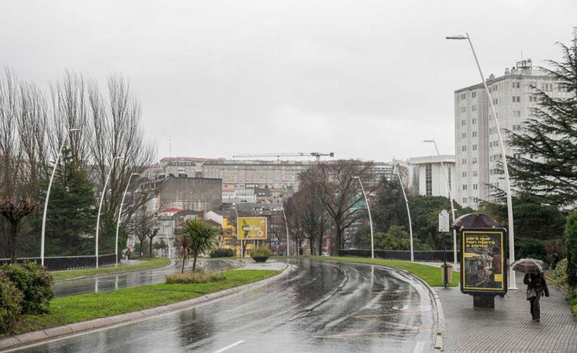 A Coruña renueva 63 puntos de luz en el primer tramo de la Rolda de Outeiro