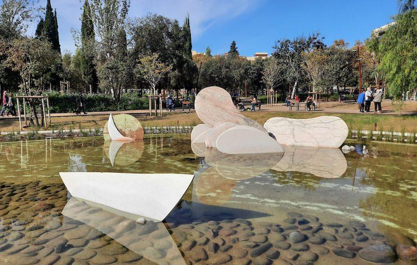 Abre al público la renovada plaza Sóller de Barcelona, un nuevo parque verde y cívico para el distrito de Nou Barris