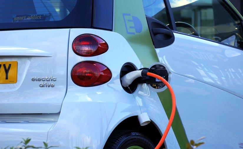 Alicante destina 2,7 millones para dotar a los municipios de vehículos eléctricos en su apuesta por una provincia más sostenible