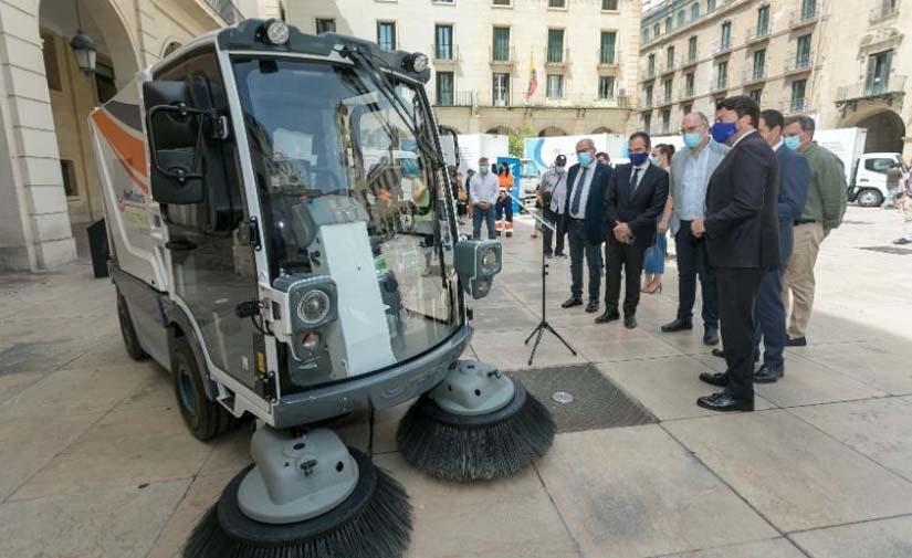 Alicante renueva 14 vehículos de su flota de recogida de residuos y limpieza viaria