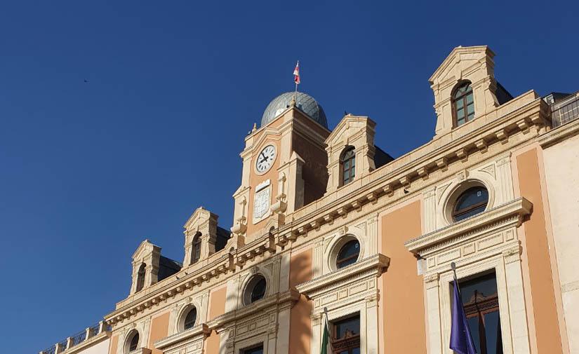 Almería auditará hasta treinta dependencias municipales para conocer el gasto energético real y poder reducir la huella de carbono