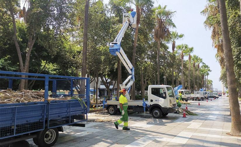 Almería formaliza el nuevo contrato de Parques y Jardines de la ciudad