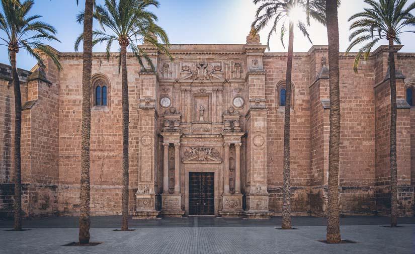 Almería invierte 260.000 euros para la mejora de la urbanización en el entorno del Mesón Gitano