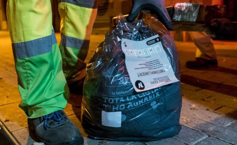 Arranca el servicio de recogida puerta a puerta de residuos en el barrio barcelonés de Sant Andreu del Palomar