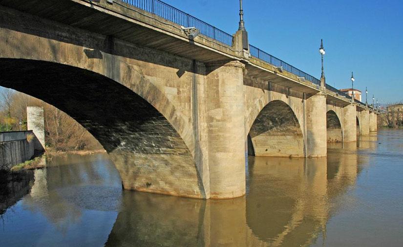 Arrancan las obras de restauración del Camino de Santiago a su paso por el Puente de Piedra de Logroño