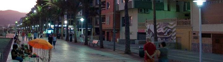 Almería adjudica la redacción del proyecto para la mejora de las instalaciones de alumbrado público en las zonas marítimas urbanas