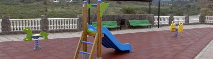 Arucas inicia la remodelación de 19 parques infantiles  en varios distritos de la ciudad