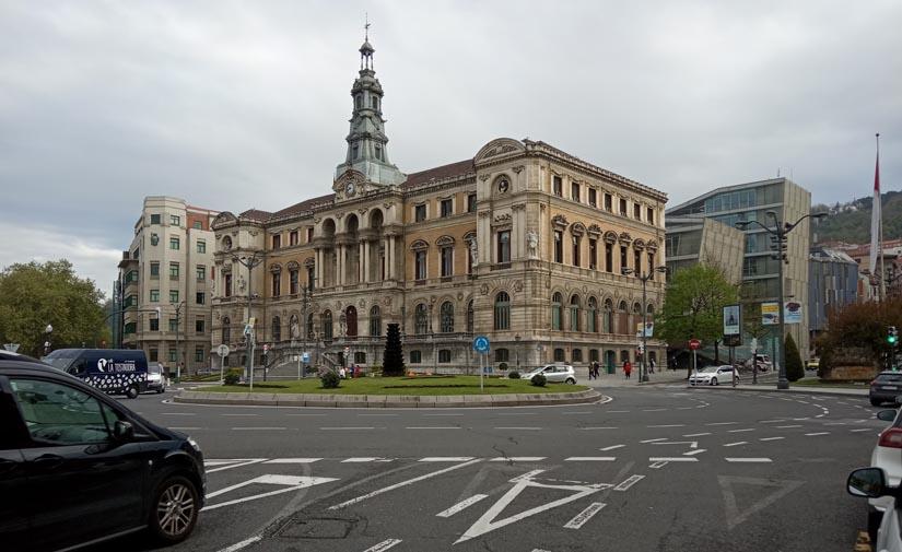 Bilbao refuerza los servicios esenciales de limpieza y desinfección y reorganiza la recogida de residuos