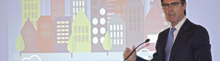 José Manuel Soria asiste a la presentación del
