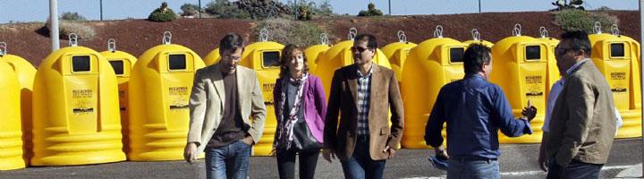 Lanzarote presenta 100 nuevos contenedores de recogida selectiva de envases y papel/carton